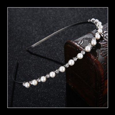 The Pearl Grace Hair Jewel